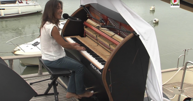 QUIBERON: Sailing the world with a Piano