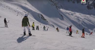 ANDORRA: Skiing and Snowboarding